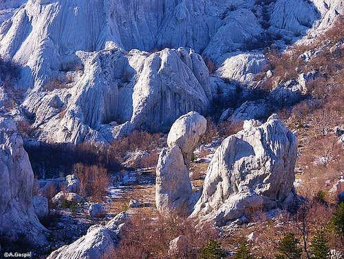 Karst wonderland inside the...