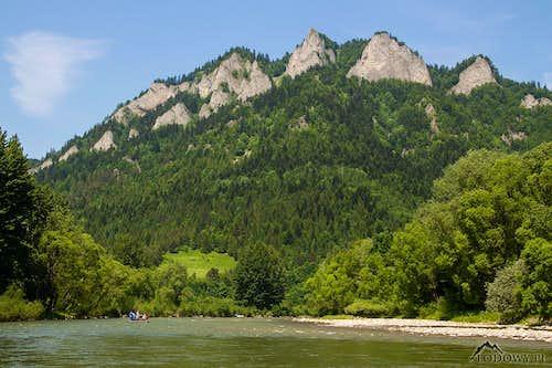 Mt.Trzy Korony over Dunajec valley