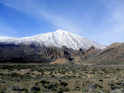 Teide with nice snow cover...