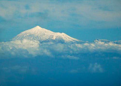 Mighty Teide with heavy snow...