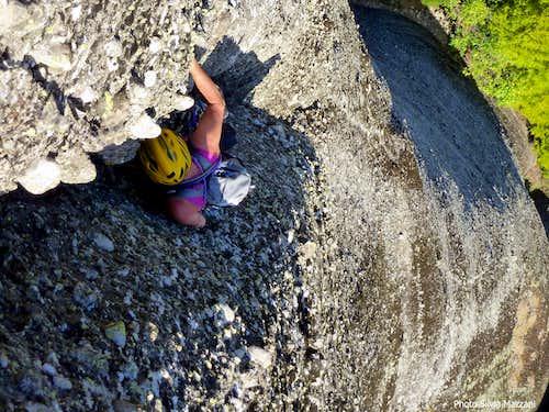 Pillar of Dream - Negotiating the crux crack