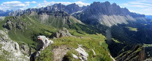 Dolomites panorama from the slopes of the Aferer Geisler