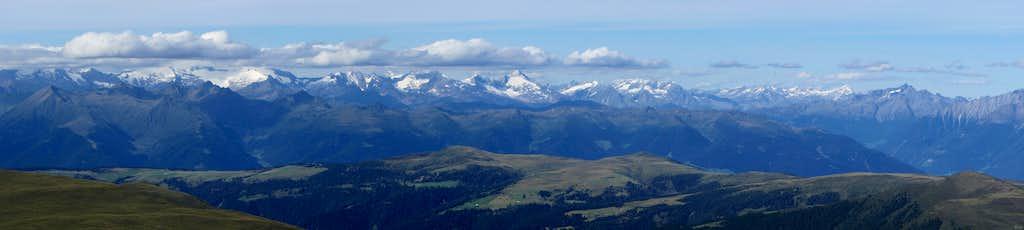 Tullen summit panorama towards the Zillertal Alps