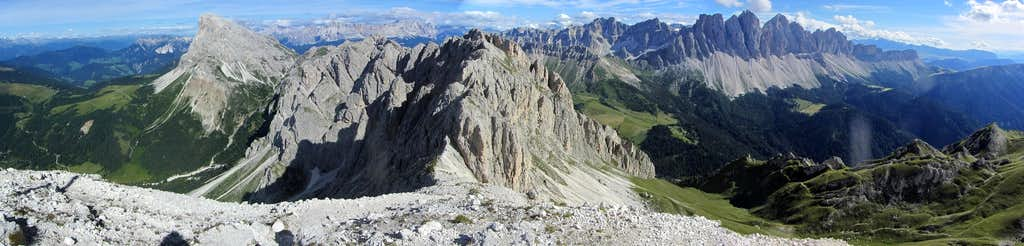 180° Dolomites panorama from the summit of Tullen