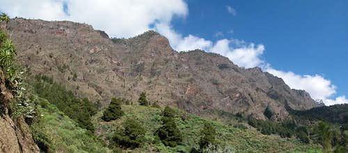 The western caldera walls...