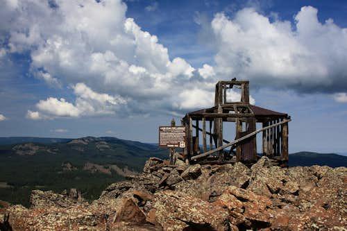 Leon Peak 1