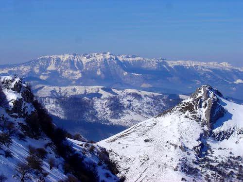 the massif of Aizkorri over...