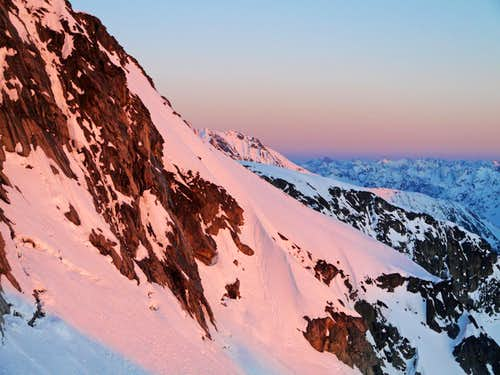 Alpenglow from Eldorado Peak