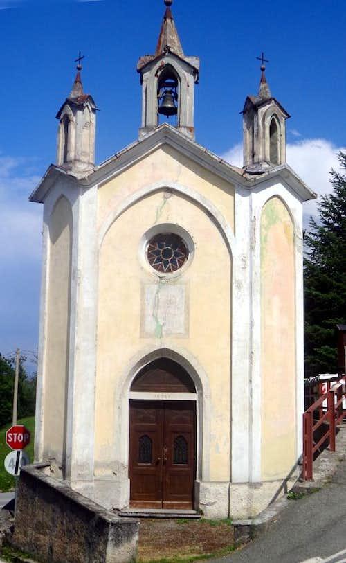 Surroundings / B ... Ville Dessous 1867 Chapel 2015