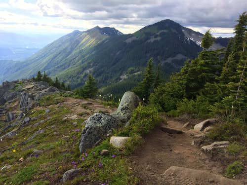 Trail to the Bandera lookout