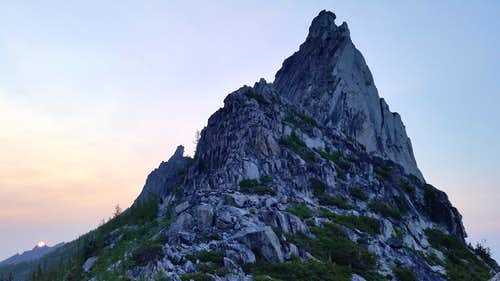 Sunrise @ the West Ridge of Prusik Peak