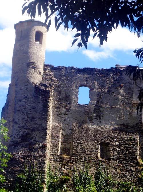 Aosta Town / B-bis Quart Chateau North Side 2015