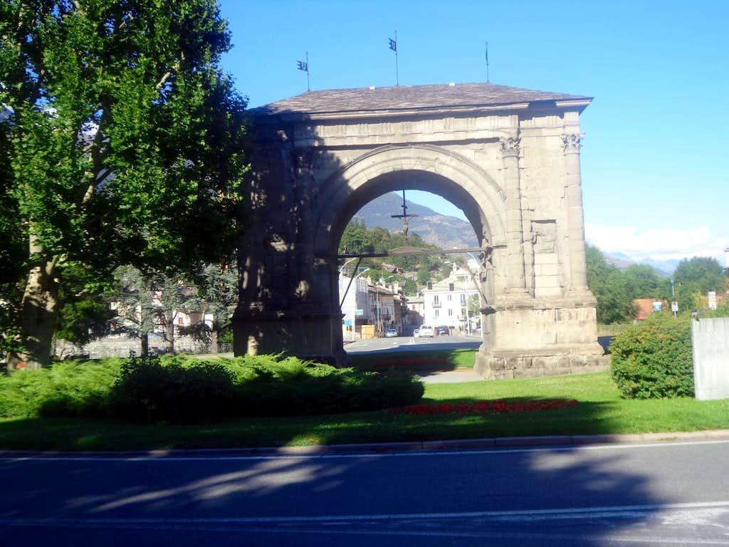 Aosta / B-bis Augustus's 23 BC Triumph Arch 2015