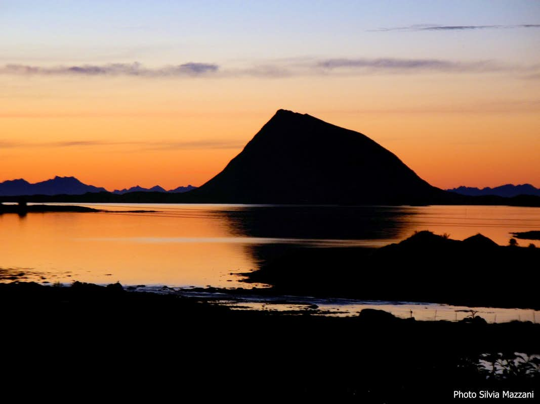 Hoven after a mid-summer sunset, Lofoten
