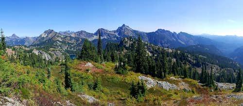 Alpine Lakes Peaks from Rampart Ridge