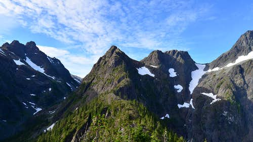 Looking along the Suspension Ridge, Slocomb's Rise