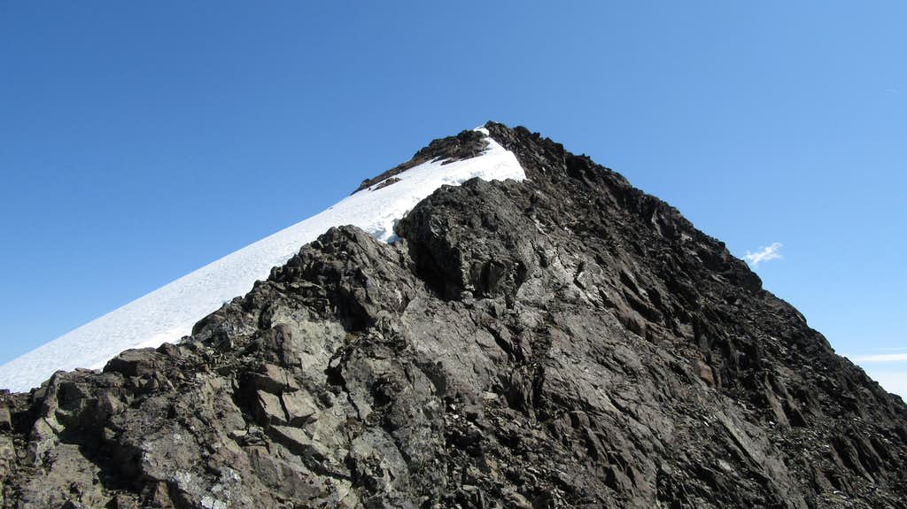 Final stroll to the summit of Eagle Peak