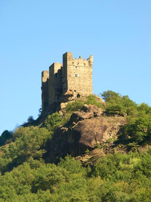 Low South Valley / C 2 - Ussel (Châtillon) Castle 2015