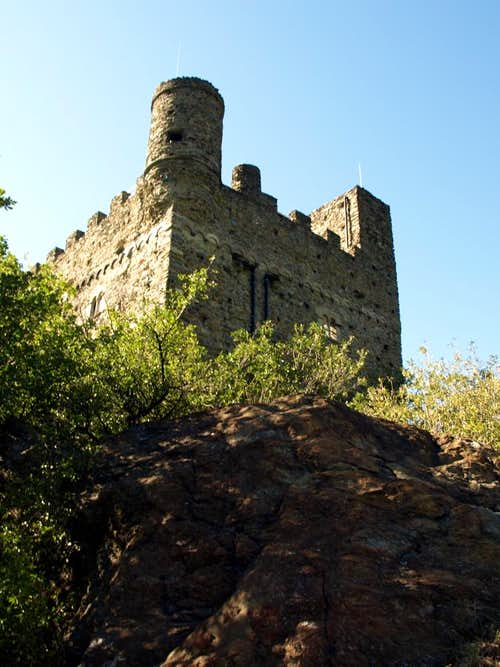 Low South Valley / C 2 - Ussel of 1350 Castle 2015