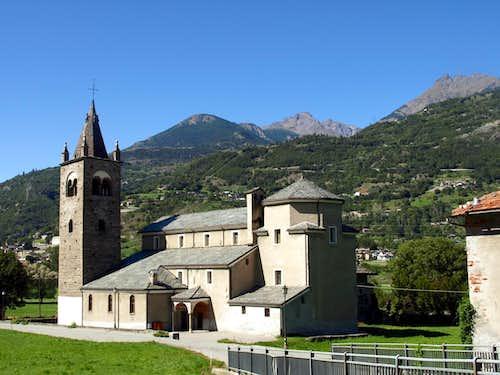 Low South Valley / C 2 - Fénis 1450 main Church 2015