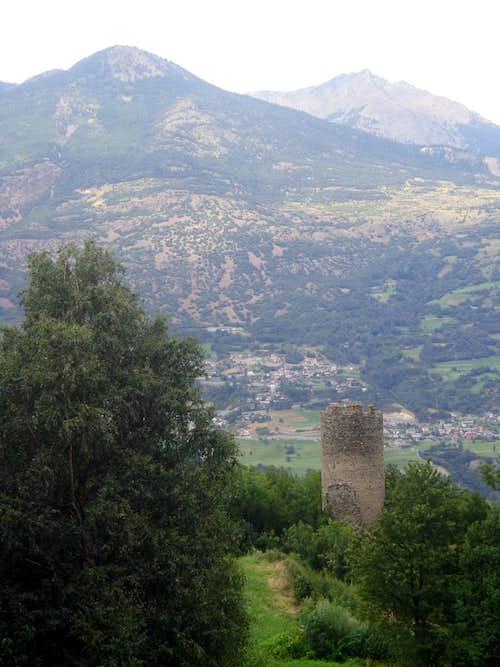 Low South Valley / C-2 Gr. Brissogne 1400 Castle 2015
