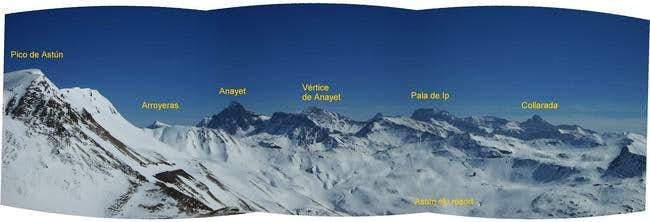 The massif of Collarada and...
