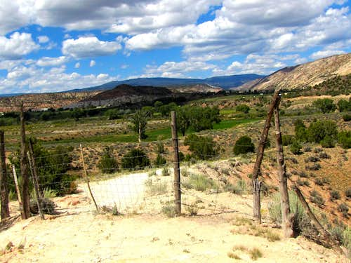 Town of Escalante trailhead