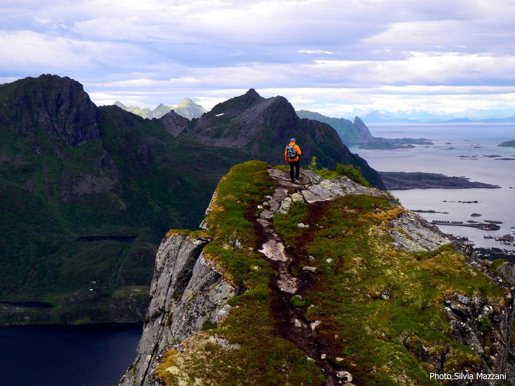 Kongstinden, on the ridge
