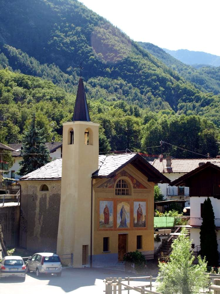 The remains Septumian Chapel below Saint Julien 2015