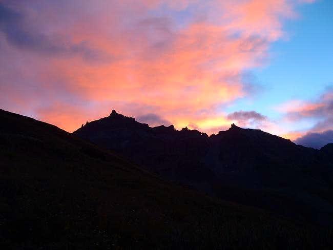Sunrise over Teakettle...