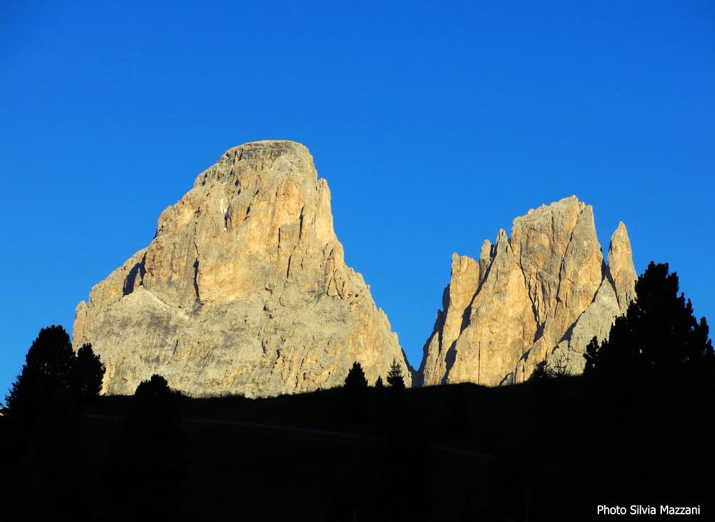 Punta Grohmann and Cinque Dita at sunrise from Sella Pass