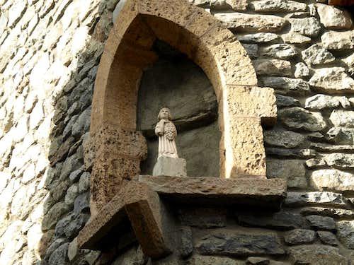 Joseph M. Henry Dolonne Hamlet mystical statue 2015