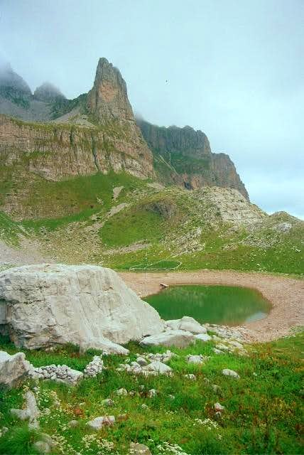 View to Ligeni Madhe lake in...