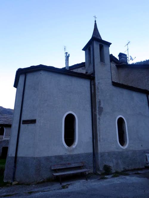(Valgrisa) Prariond Chapel with windows ogival 2015