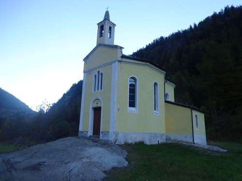 (Valgrisa) / D-2 Nearby Revers of 1902 Chapel 2015