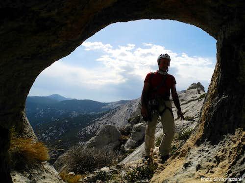 Exploring a cave along Cusidore descent route
