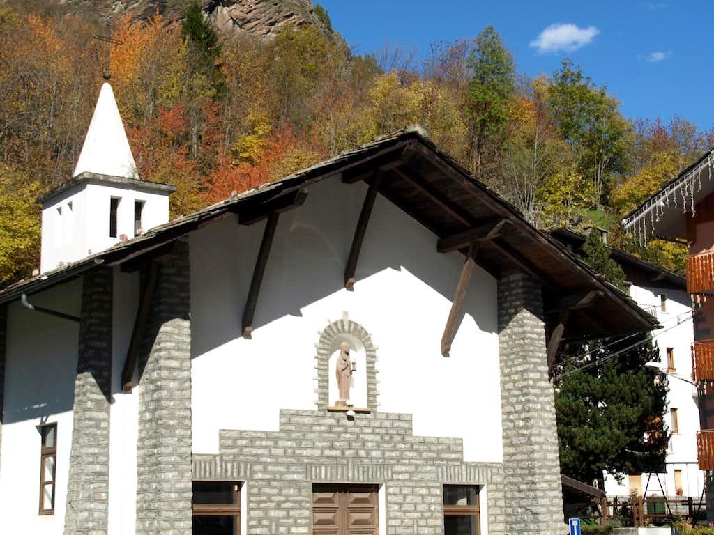 Maen small Church just below Valtournenche 2015