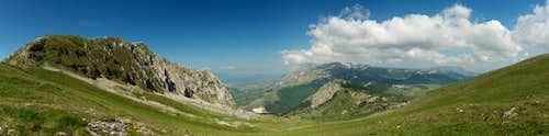 Saddle view Serra di Celano and the Virente Massif