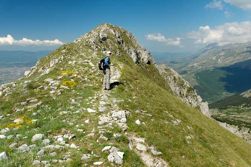 On the crest of Serra di Celano
