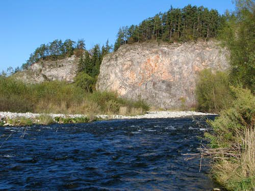 Kramnica s best crag from upriver