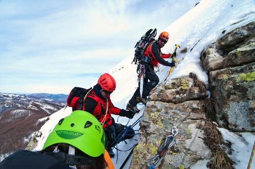 Ice-climbing schooling on Torricella West face