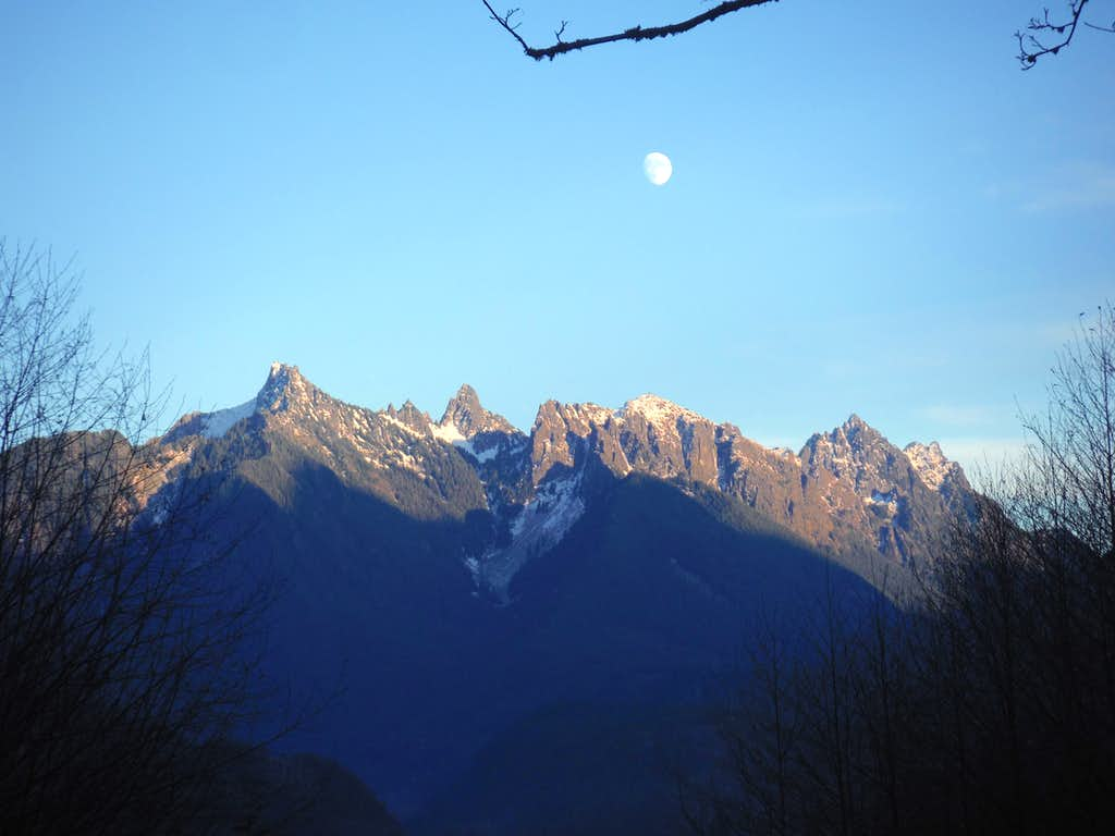 Gunn Peak and the moon