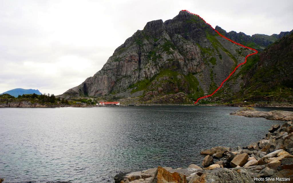 Festvågtinden standard route topo