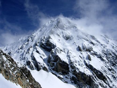 The majestic South face of Königsspitze caressed by the wind