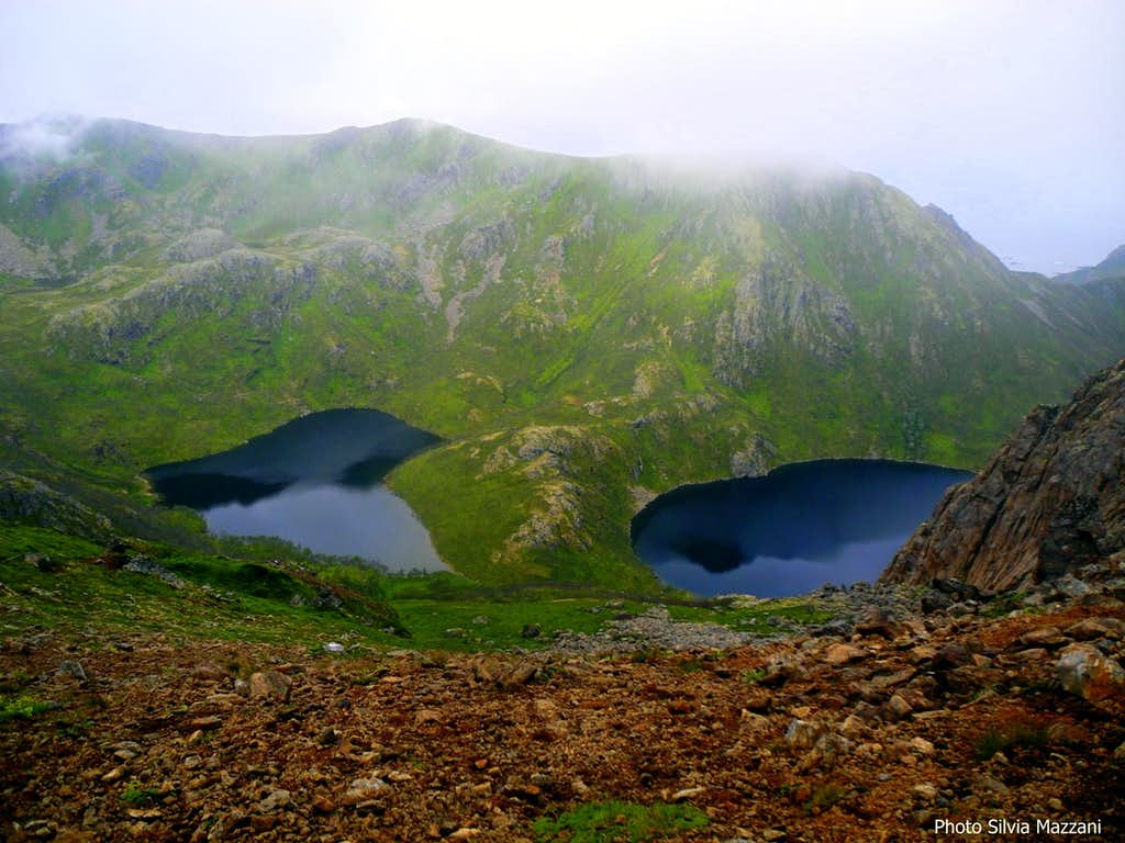 Dronningruta, the lakes Langvaddalsvatnet