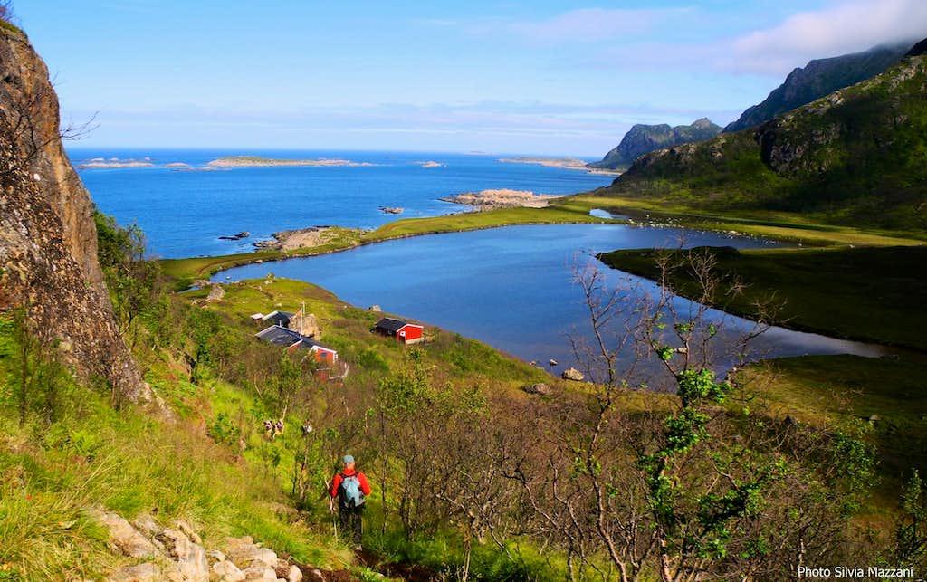 Dronningruta, amazing lagoon along the coast trail