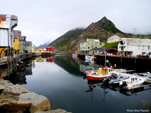 Charming village of Nyksund, one of the two possible starting point of Dronningruta trail