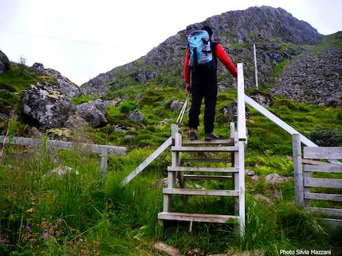 Stø mountain trail starting