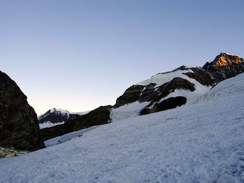 Early morning on Garstelet glacier