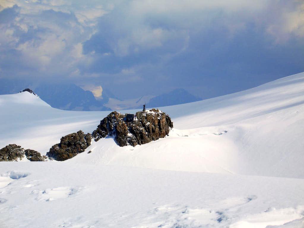 The rocky isle of Balmenhorn on the way to Ludwigshöhe